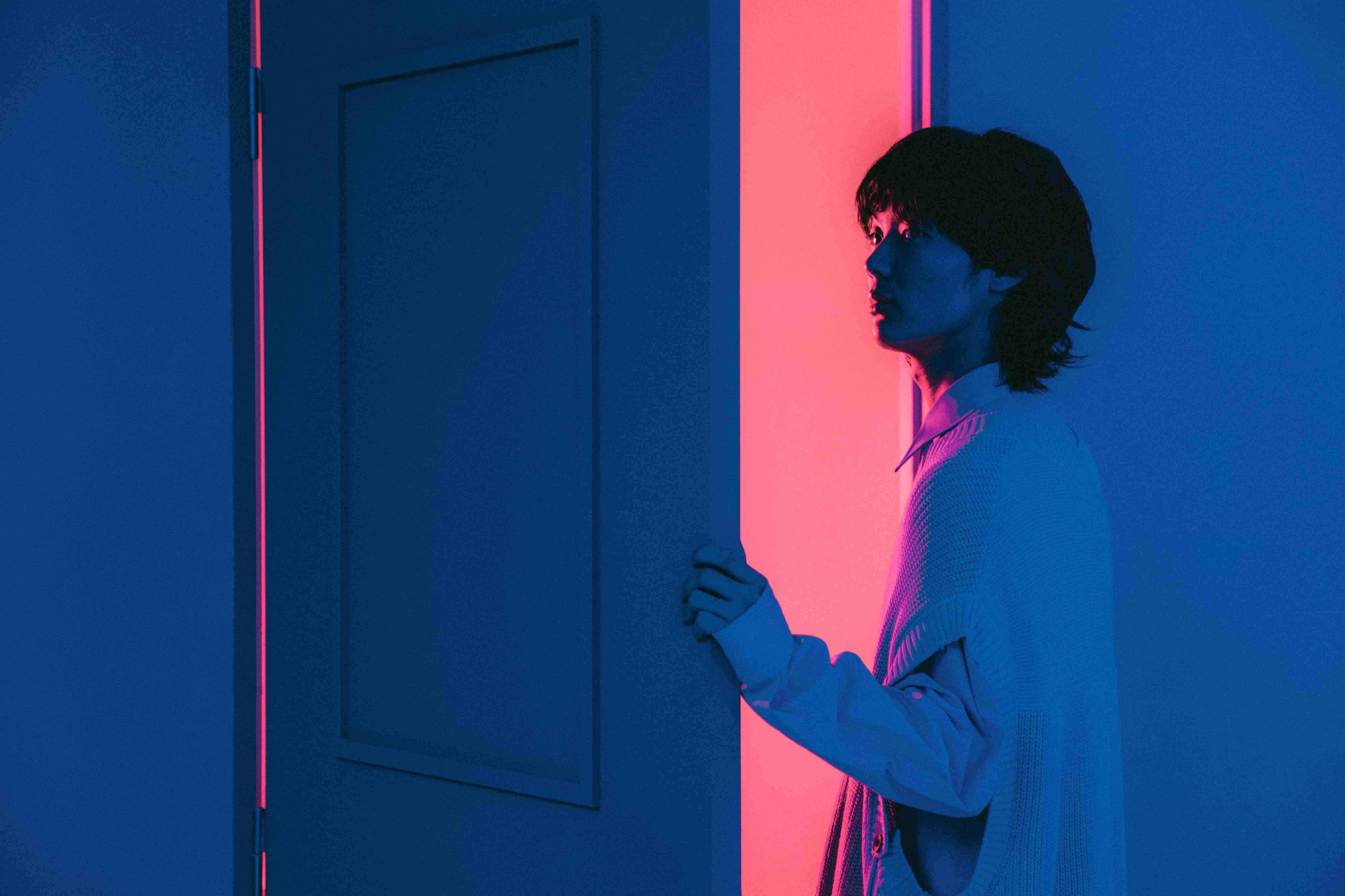 映秀。、11月17日(水)に2nd Album『第弐楽章 -青藍-』をリリース!ALのジャケット写真と最新アーティスト写真も初公開。また、アルバムリリースに先駆け10月20日(水)にリード曲『脱せ』の先行配信と歌詞も公開!