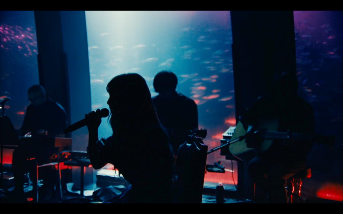 ヨルシカ初のライブ映像作品『前世』、プレミアム上映会が決定!
